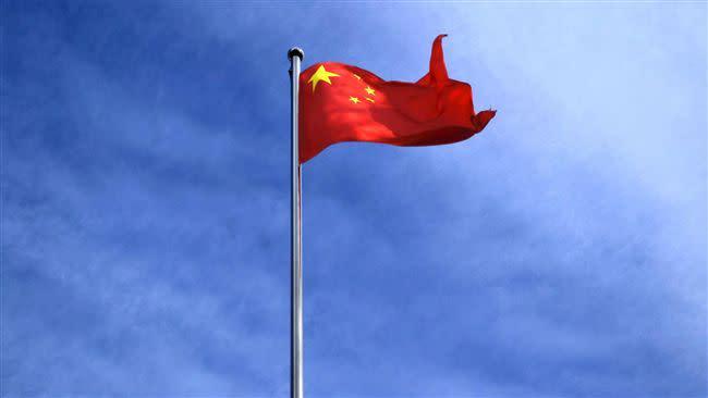 有網友提問,自稱愛中國的人,為何不直接移民過去。(示意圖/Pixabay)