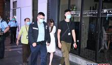 蘭桂坊疑被偷錢包手機 女子攔小巴截4男