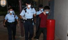 東涌針對警員投腐液案 警今午返現場搜證拘1名疑藏毒男子