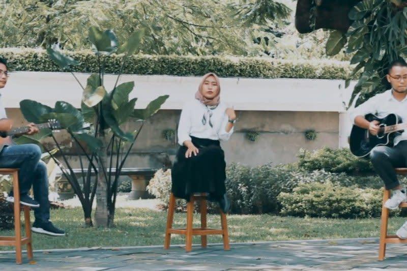 """Staf Disbudpar Surabaya ciptakan lagu """"Bersatu Melawan Virus Corona"""""""