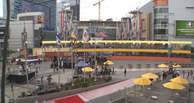 Double-Decker Red Carpet For VMA Awards Made For Fans