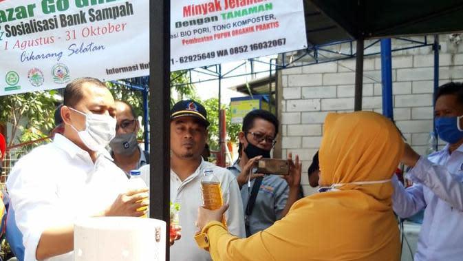 Menukar Sampah Rumah Tangga dan Jelantah dengan Tanaman Hias di Bekasi