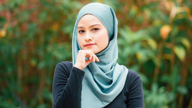 ilustrasi kepribadian perempuan/Photo by Muhammad Faiz Zulkeflee on Unsplash
