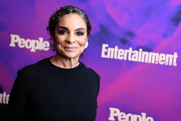 Grey S Anatomy Jasmine Guy To Recur In Season 16 Of Abc