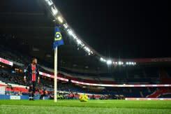 Pertandingan Liga Champions PSG vs MU digelar tanpa penonton setelah jam malam diberlakukan di Paris
