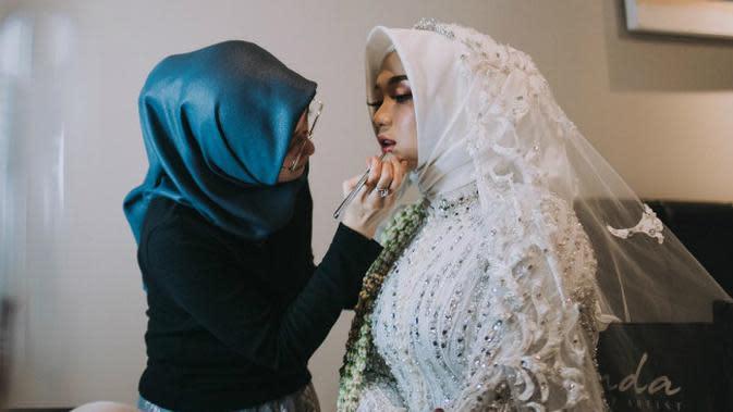 Makeup artist dari Surabaya, Jawa Timur, Drg Irvanda Mulyaningsih Sp.Ort. (Foto: Liputan6.com/Dian Kurniawan)