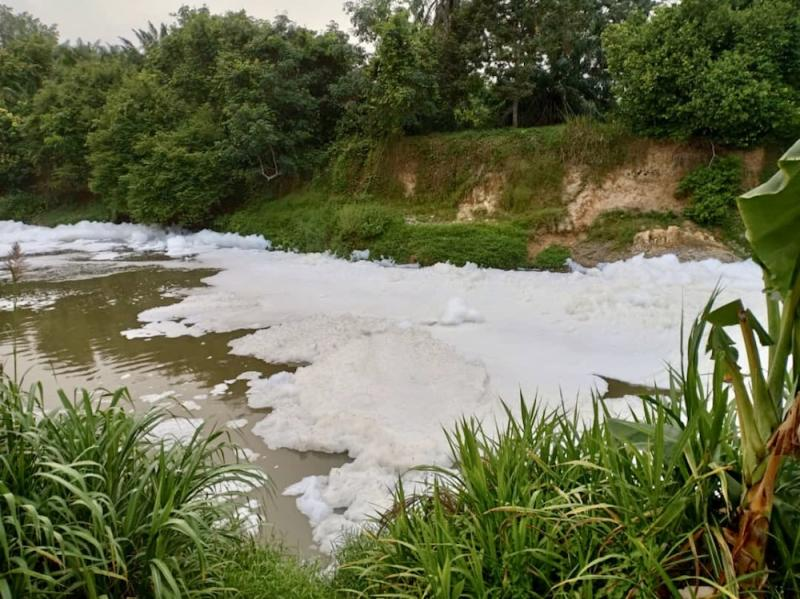 Authorities are still investigating the cause of the foam formation at part of the Sungai Skudai river in Senai. — Picture via Facebook