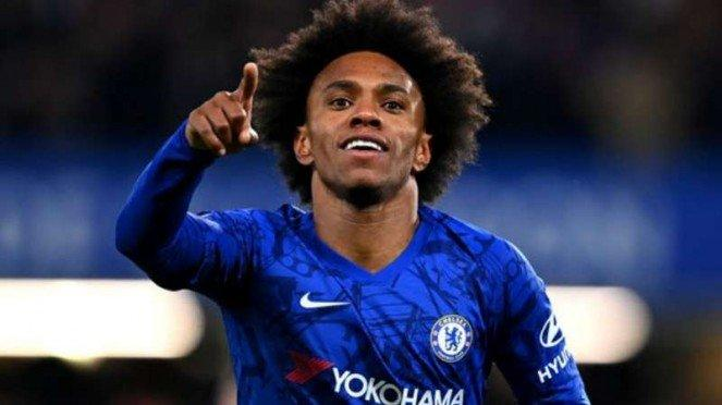 Winger Chelsea, Willian rayakan gol.