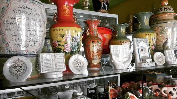 keramik dinoyo (Sumber: Instagram/@keramikdinoyo)