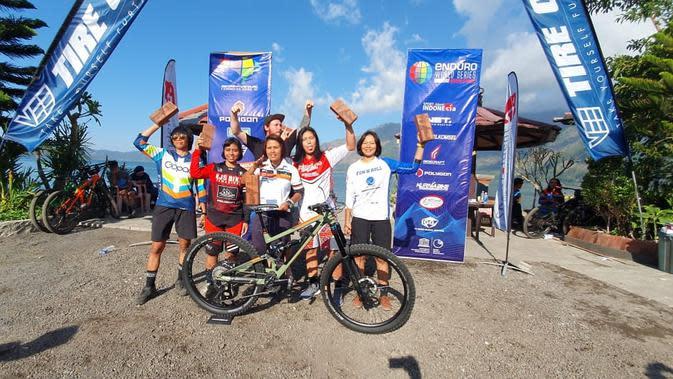 Para juara Bali Gravity Enduro 2019 kategori Women Pro (Foto: dok. Gravity Enduro Indonesia)