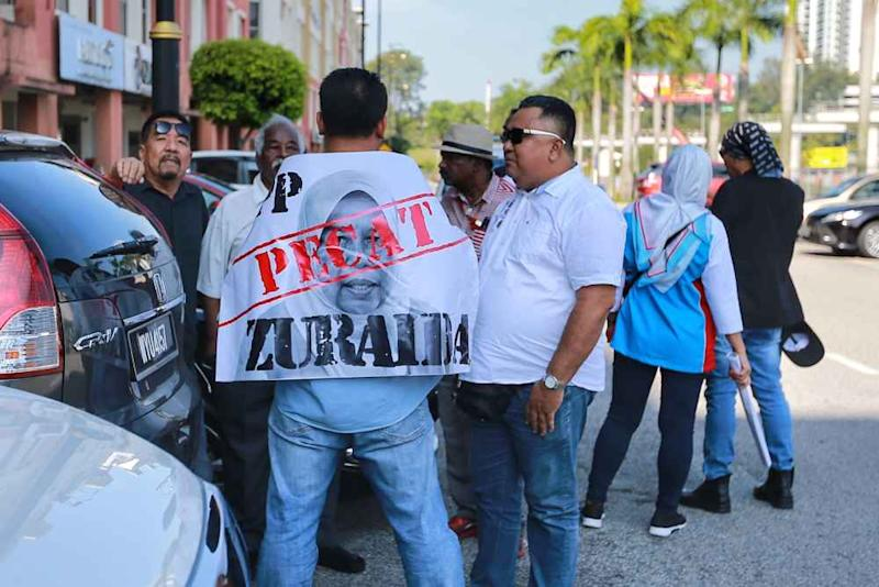 PKR supporters against Zuraida Kamaruddin gather outside the party's headquarters in Petaling Jaya January 18, 2020.