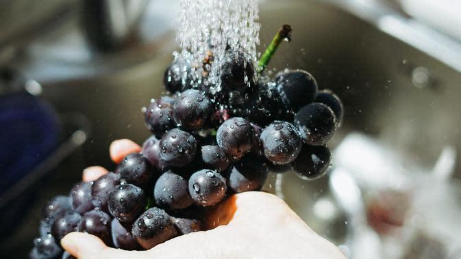 Buah Anggur./Photo by Manki Kim on Unsplash
