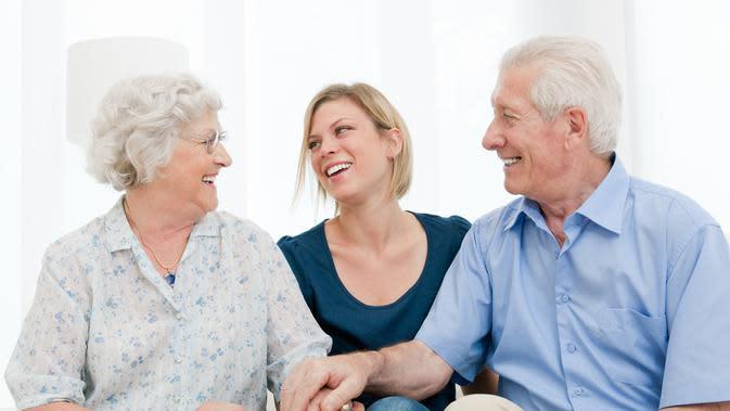 Ilustrasi kakek dan nenek (Shutterstock)