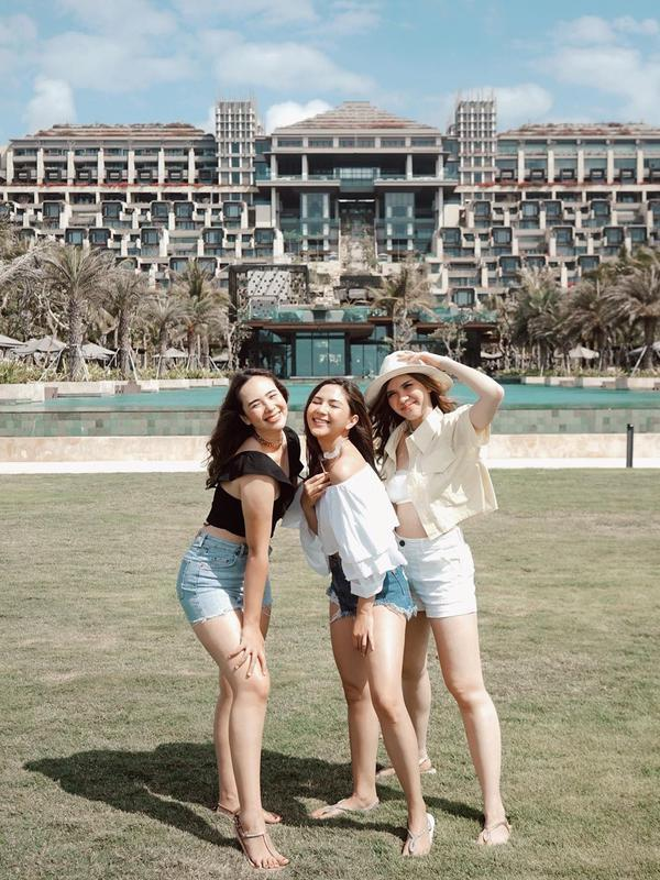 Liburan bareng Jessica Milla, Pamela Bowie dan Michelle Joan di Bali (Sumber: Instagram/pammybowie)