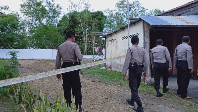Ledakan terjadi di Kantor Kejari Parepare, Sulsel, Selasa (19/11/2019). (Liputan6.com/Eka Hakim)