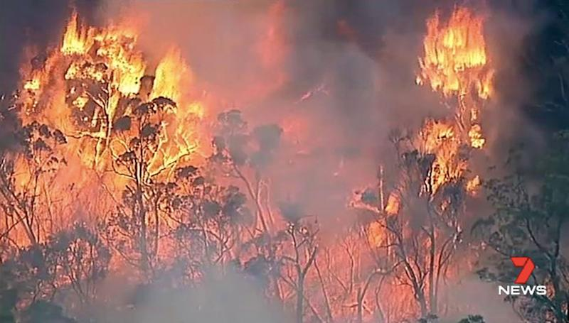Bushfires continue to threaten Victorian communities as Bunyip blaze downgraded