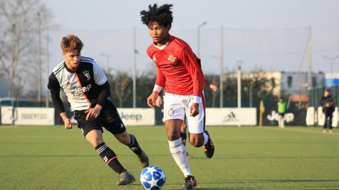 Garuda Select melawan Juventus U-17. (Dok Mola TV)