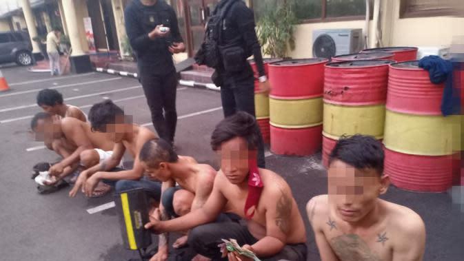 Polres Jakbar Ringkus 6 Preman yang KerapPeras SopirEkspedisi di Cengkareng