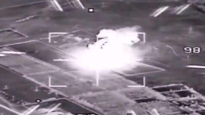 VIVA Militer: Serangan jet tempur misterius ke Pangkalan Udara al-Watiya.