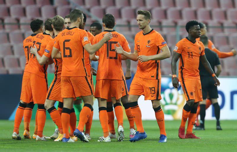 Bosnia hold Dutch to goalless draw