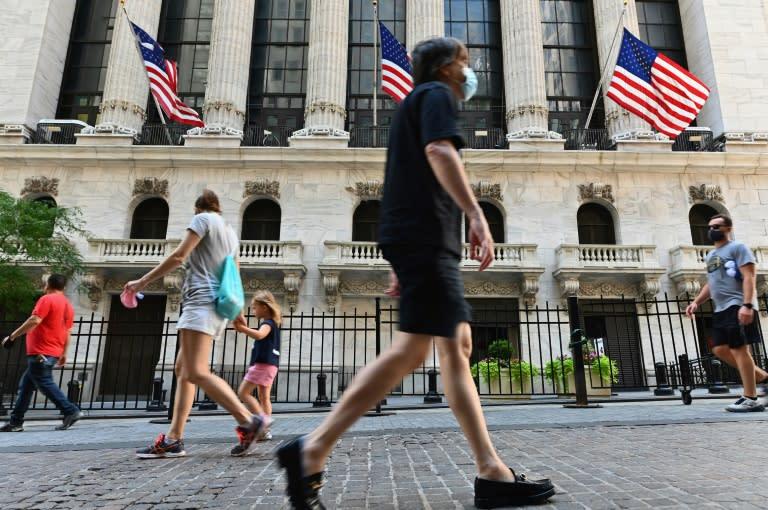 Global stocks rise despite stalemate on US stimulus