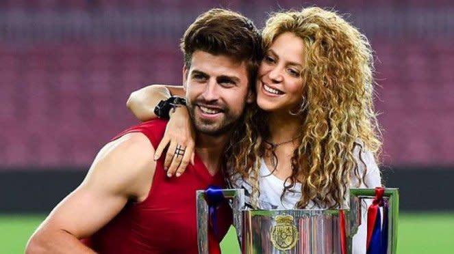 Bek Barcelona, Gerard Pique dan Shakira.