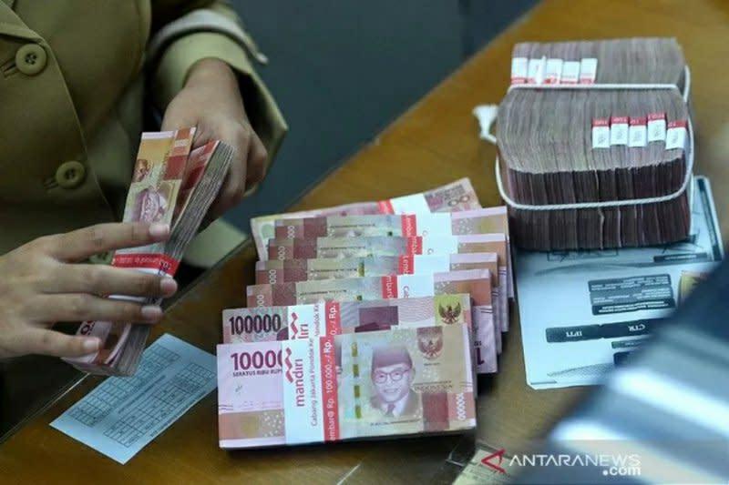 Rupiah Selasa sore sedikit menguat, di tengah variasi mata uang Asia