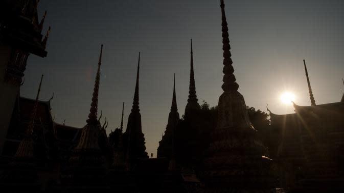 Tempat-tempat liburan kota yang populer lainnya termasuk Bangkok dan London, keduanya memegang nomor dua dan tiga tempat mereka dalam daftar Euromonitor. (Liputan6.com/AFP/Nivolas Asfouri)