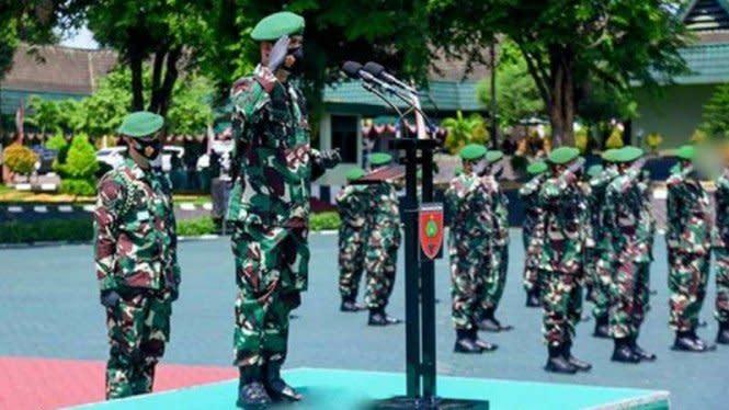 Sadis, Riska Tebas Leher Prajurit TNI Pakai Parang