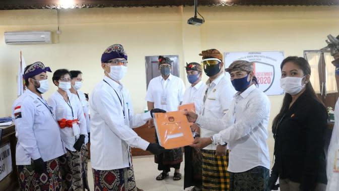 Jadi Pendaftar Kedua, Amertha Jalan Kaki Menuju KPU Denpasar