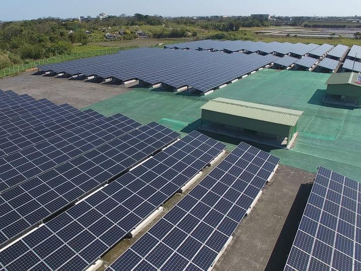 使用替代能源 考量成本、穩定性