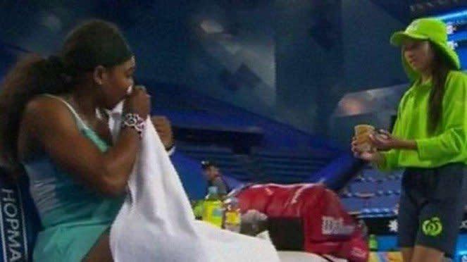Petenis Serena Williams minta dibuatkan segelas kopi