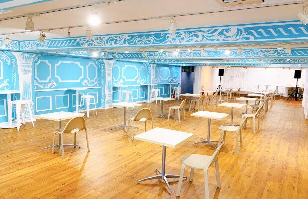 Here's What a Social Distancing Cafe Looks Like in Tokyo
