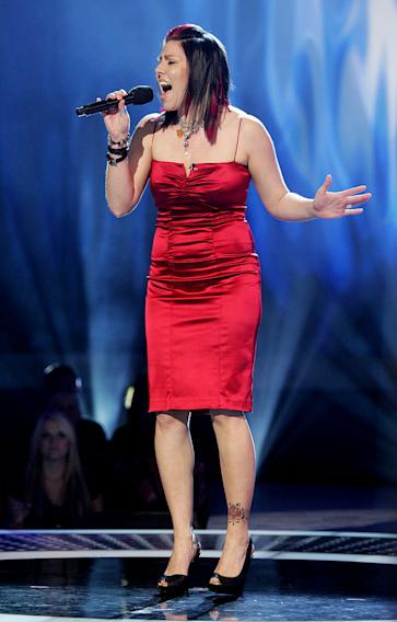 Gina Glocksen performs in front of the judges on the 6th season of American Idol.