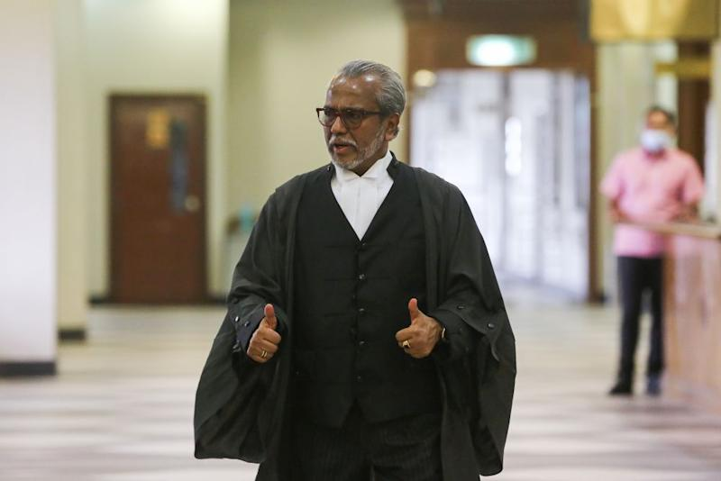 Lawyer Tan Sri Muhammad Shafee Abdullah is pictured at the Kuala Lumpur High Court June 3, 2020. — Picture by Yusof Mat Isa