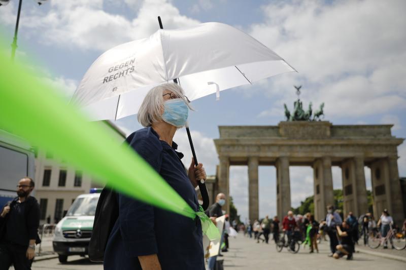 Ribuan orang bentuk rantai manusia di Berlin menentang rasisme