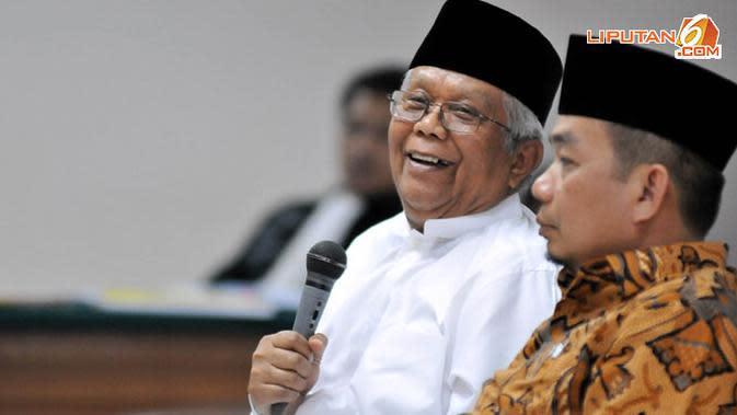 Hilmi Aminuddin memberikan kesaksian berdasarkan pengakuan Luthfi yang mengatakan jika Hilmi merupakan orang yang pertama kali memperkenalkan Luthfi dengan Bunda Putri (Liputan6.com/ Abdul Aziz Prastowo)