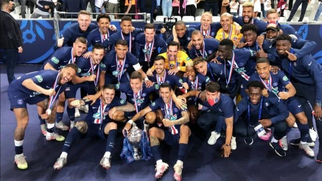 Skuad PSG merayakan gelar juara Coupe de France 2019/2020