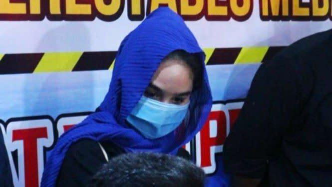 Selama di Medan, Artis FTV Hana Hanifah 'Dijamu' Sopir Taksi Online