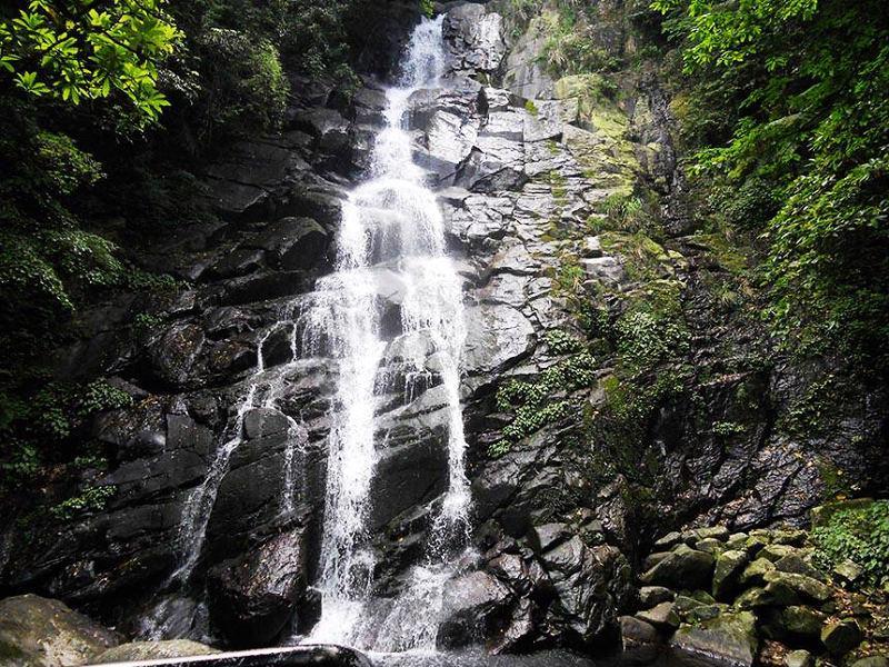 石門青山瀑布