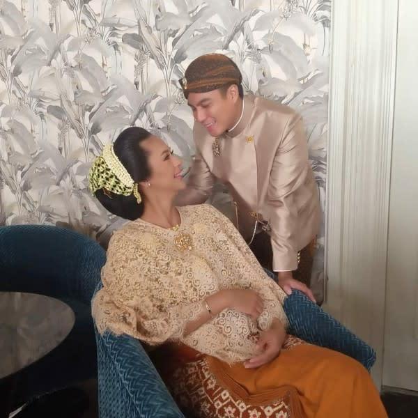 10 Potret Acara 7 Bulanan Baim Wong dan Paula Verhoeven, Syahdu