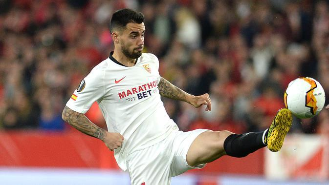 2. Suso - Pemain berusia 26 tahun ini sangat piawai dalam memberi umpan terobosan, umpan lambung, dan penyelesaian akhir. Suso turut menyumbangkan satu gol ketika Sevilla membungkam Manchester United pada laga semifinal Liga Europa. (AFP/Cristina Quicler)