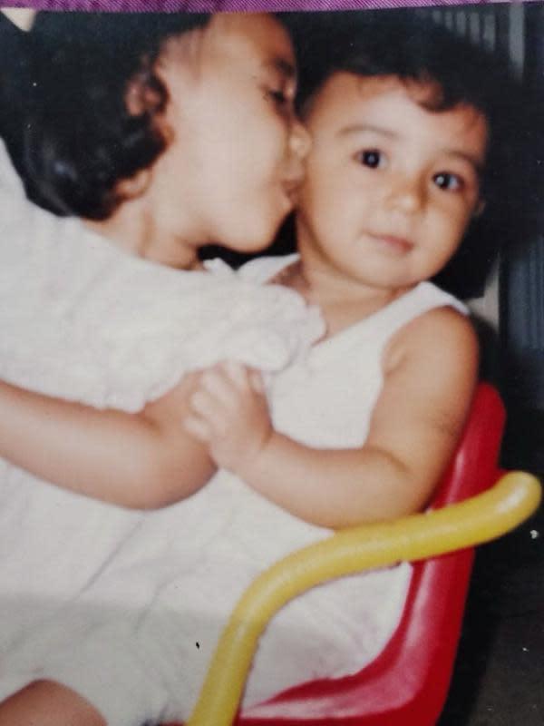 Banyak warganet meligat penampilan Shireen saat kecil seperti anaknya, Hawa. (Instagram/shireensungkar)