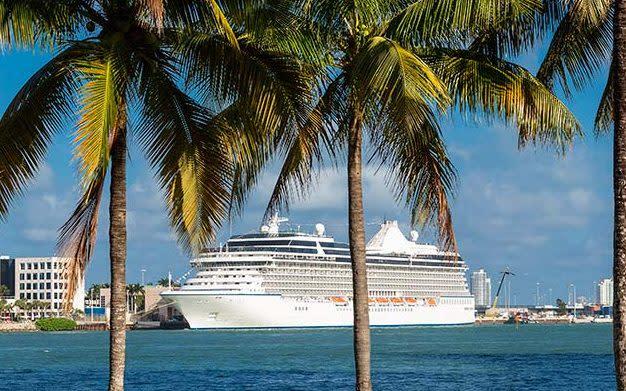 carnival-cruise-ship-docked-getty.jpg