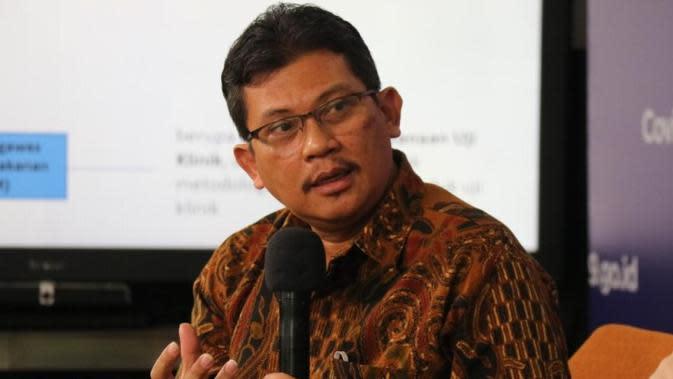 Ketua Konsorsium Riset dan Inovasi COVID-19 Kemenristek BRIN Ali Ghufron Mukti menjelaskan proses penemuan obat, terutama obat penanganan COVID-19 butuh proses panjang saat dialog di Media Center COVID-19, Graha BNPB, Jakarta, Kamis (6/8/2020). (Dok Tim Komunikasi Publik Satgas Nasional)