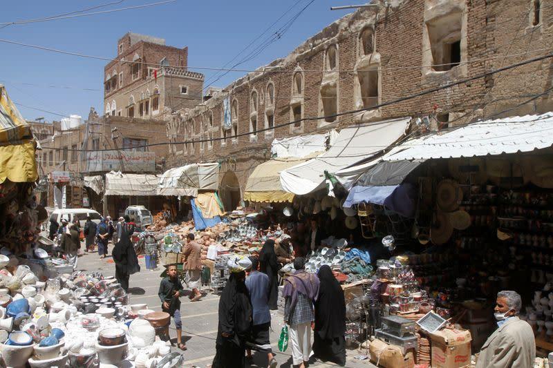 War-ravaged Yemen confirms first coronavirus case, braces for more