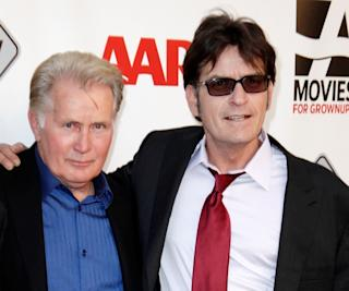 Martin Sheen breaks out his Brando impression on 'Anger Management'