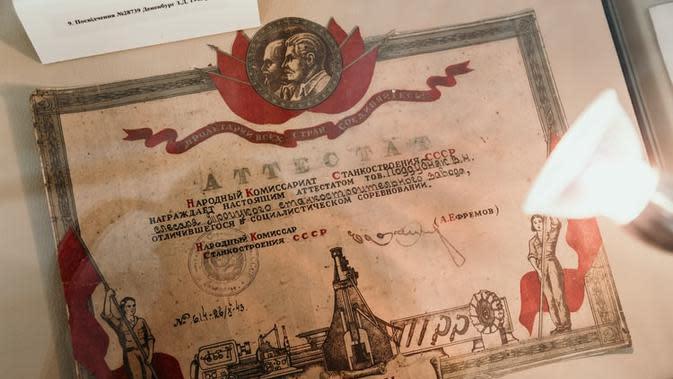 Ilustrasi Sertifikat Penghargaan Credit: unsplash.com/marjanblan