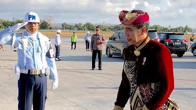 Jokowi kenakan busana adat khas Bali saat Kongres (dok.Instagram@Jokowi/https://www.instagram.com/p/B05t6Leh2wE/Devita Nur Azizah