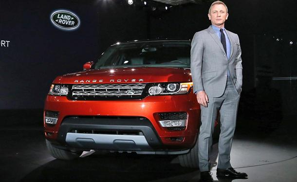2014 Range Rover Sport arrives with James Bond behind the wheel